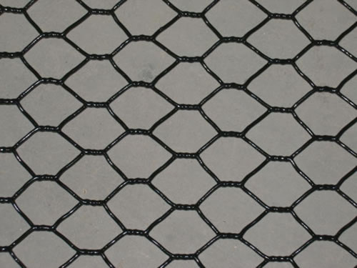 18 Gauge Black Vinyl Coated Chicken Wire